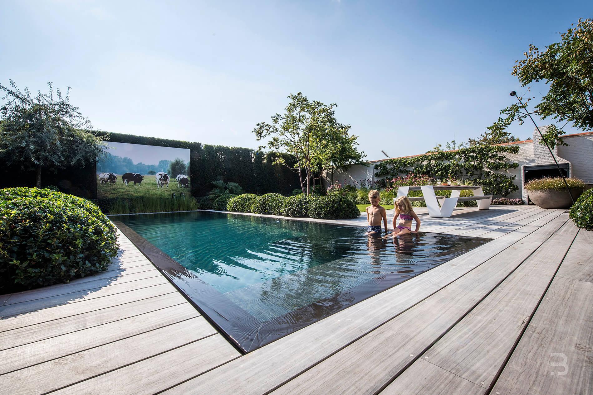 Afbeelding project Vlaamse landelijke stijl met moderne accenten doorgetrokken van woning naar tuin