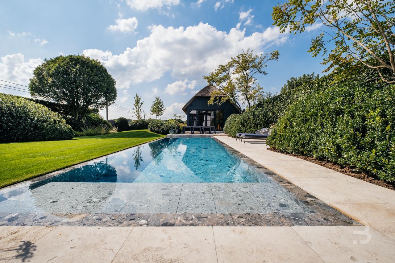 Afbeelding project Landelijke tuin met riverpoolzwembad